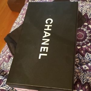 chanel shoebox with dustbag black